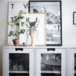 RE-CREATE THE LOOK: 12 SCANDINAVIAN GALLERY WALL IDEAS YOU'LL LOVE. Hey, Djangles. heydjangles.com. Scandinavian Gallery Wall, Scandinavian Decor, Scandinavian vignette. Image source: Instagram @by_ingelaberg
