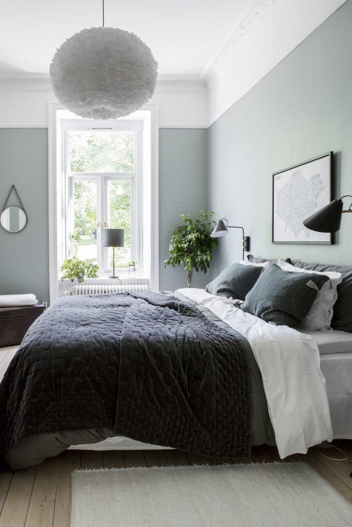 6 BEAUTIFUL GREEN-GRAY BEDROOMS YOU CAN RE-CREATE TODAY - Hey, Djangles. heydjangles.com - Scandinavian bedroom. Image: Alvhem