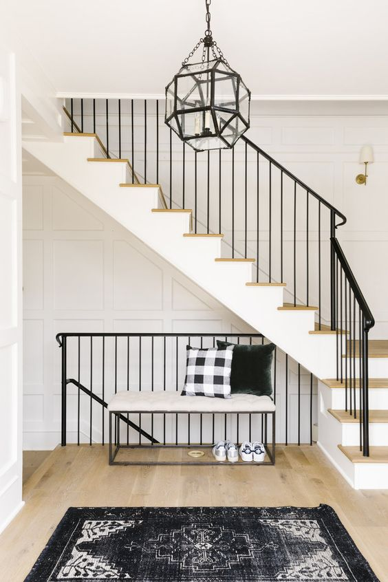 Lighting Basement Washroom Stairs: RE-CREATE THE LOOK: 5 MODERN FARMHOUSE STAIRCASE IDEAS YOU