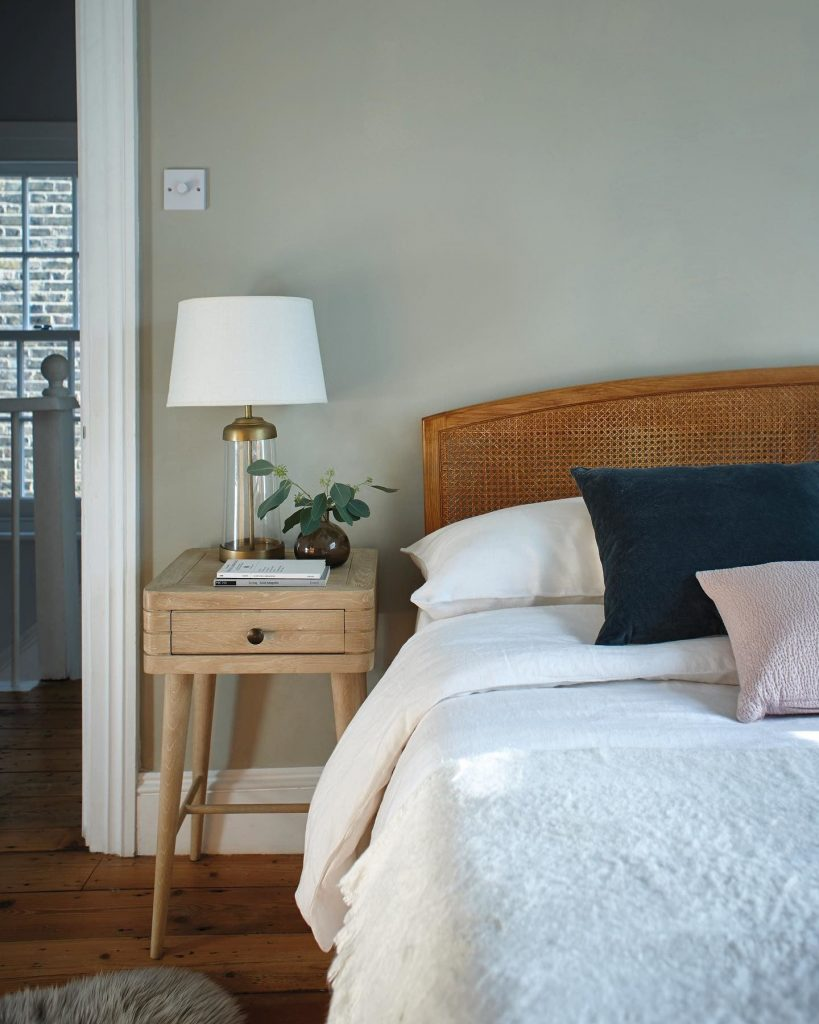 6+ Beautiful Green-Gray Bedrooms You Can Re-create Today - IMAGE via Farrow & Ball feat. paint color 'Ash Grey'.