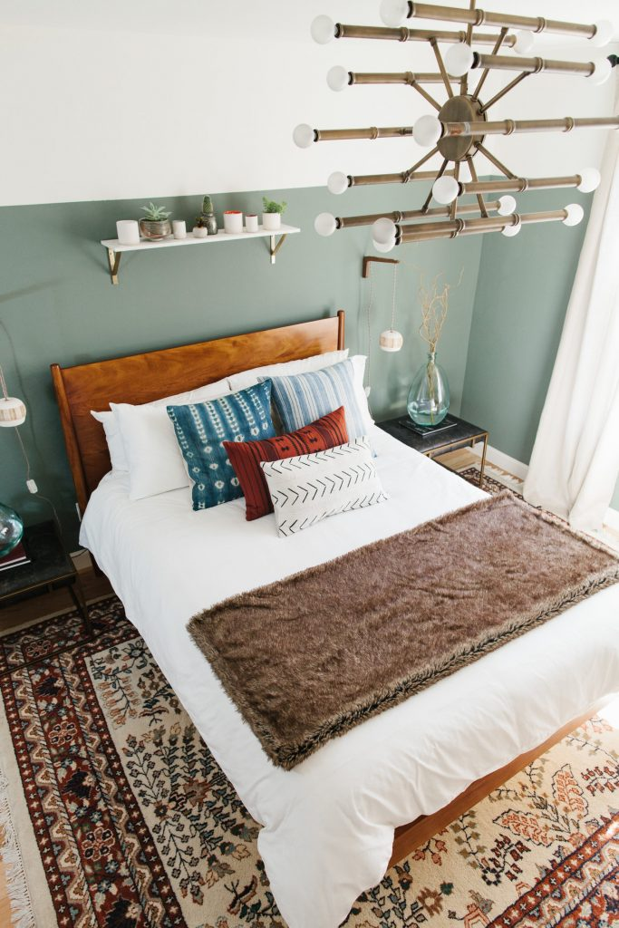 6+ Beautiful Green-Gray Bedrooms You Can Re-create Today - IMAGE via Ave Styles, feat. paint color 'Retreat' from Sherwin Williams.