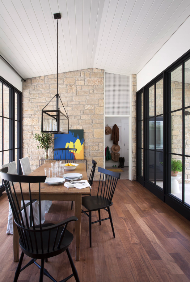 Black Windsor Style dining chair inspiration and product round-up. Something for every budget. heydjangles.com - Farmhouse Dining Chairs, Windsor Chairs, Black Dining Chairs. Image credit: Tim Cuppett Architecture & Interiors. #farmhousestyle #modernfarmhouse