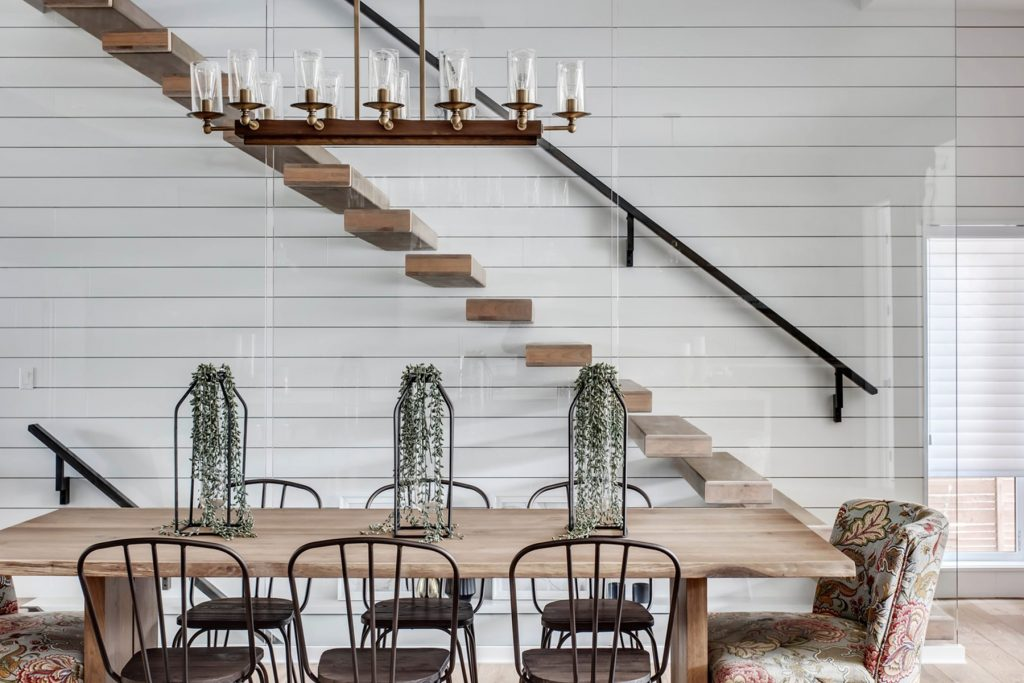Black Windsor Style dining chair inspiration and product round-up. Something for every budget. heydjangles.com - Farmhouse Dining Chairs, Windsor Chairs, Black Dining Chairs. Image credit: Trickle Creek #farmhousestyle #modernfarmhouse