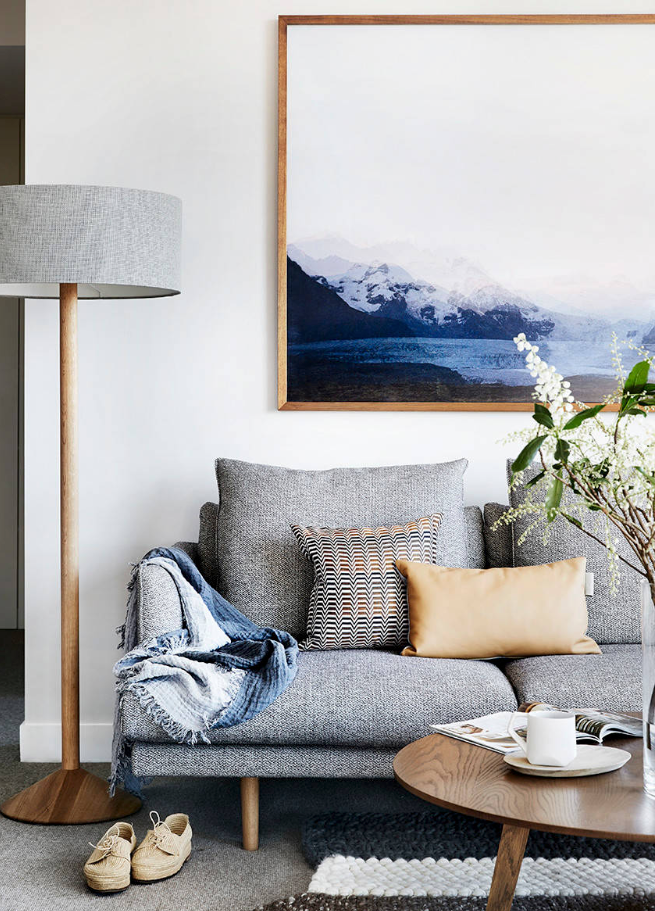 6 SIMPLE STEPS TO CREATE YOUR OWN SLEEK MODERN MINIMALIST LIVING ROOM - Hey, Djangles. Bright and light modern minimalist living room by Gabrielle Reinhardt/Berkeley Interiors, Photograph by Tess Kelly Photography. heydjangles.com. #minimalistliving #minimalism