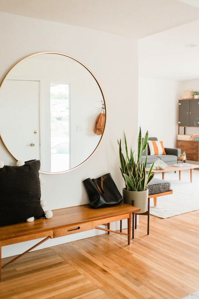 20 Ways To Style An Oversized Gold Round Wall Mirror Hey Djangles