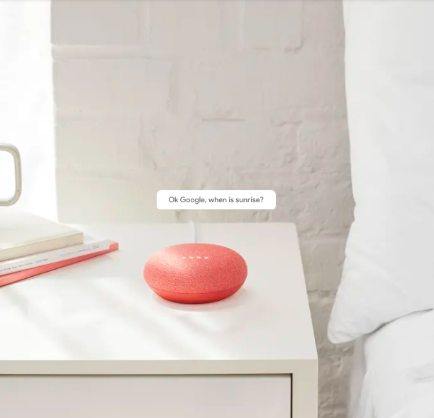 BEST SMART HOME TECH GIFTS UNDER $100 – heydjangles.com – Feat. The Google Home Mini in coral (so cute!). Tech gift ideas, smart home technology, smart home devices, smart home gadgets, tech gift guide, Christmas gift ideas under $100 #smarthome #giftguide #techie