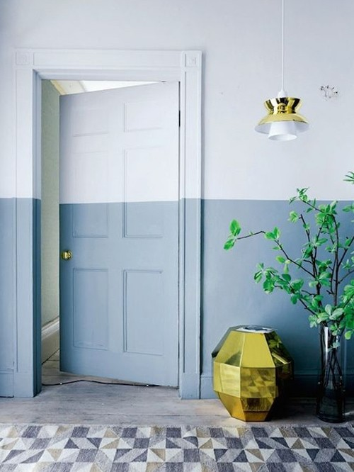 TREND: COLOR BLOCKED WALLS & DIPPED DECOR - heydjangles.com, blue and white half-painted wall. For more color blocked wall ideas, check out our latest post. Image: Casa Vogue