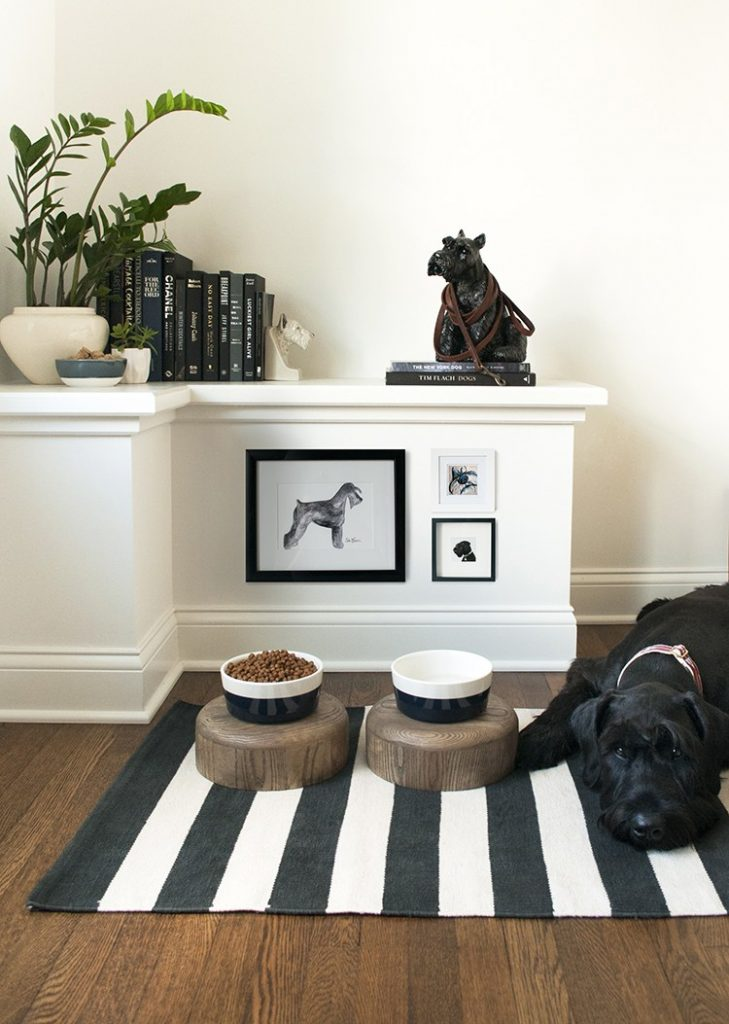 NON-NEGOTIABLE DOG ROOM DECOR ESSENTIALS – heydjangles.com – From dog bowls, pet beds, toys and tech, to pet gates, crates, dog doors and more. Check out our dog room decor wrap-up for all the best dog room decorating ideas and inspiration. Schnauzer dog décor, black standard schnauzer. Photo credit: Room for Tuesday.
