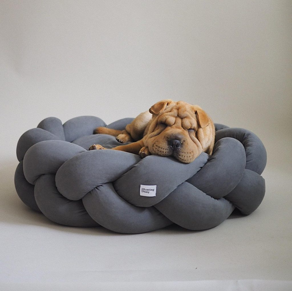 Image via Etsy/Hunting Pony feat. Unique Dog Bed