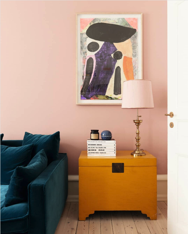 Decorating With Mustard Yellow - heydjangles.com - Pink walls and mustard yellow furniture with velvet blue/teal sofa and brass/gold accents. Jewel tones for the win! Image by @katrinerohrberg. #jeweltones #livingroomideas