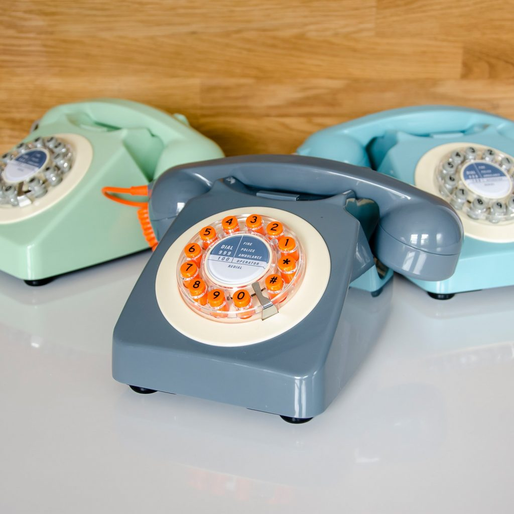 4 EASY WAYS TO ADD MODERN RETRO CHARM TO YOUR HOME - heydjangles.com - 4. With decor! Retro telephone, retro phone, rotary telephone, vintage telephone, 50s inspired #retrodecor