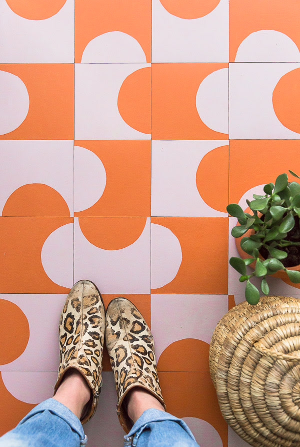4 EASY WAYS TO ADD MODERN RETRO CHARM TO YOUR HOME - heydjangles.com - 2. With pattern! Retro tile DIY by Paper & Stitch, retro DIY, retro tile, mid-century vibes #retrodecor