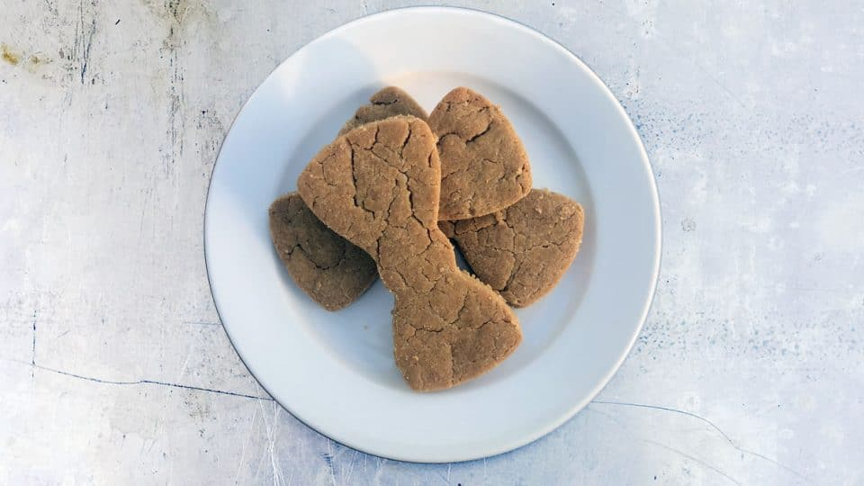 Simple Peanut Butter Dog Treat Recipes, shortbread dog treats via The Dog People