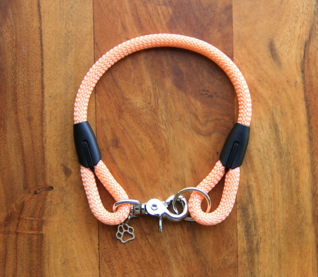 ROUND-UP: Peach Dog Accessories feat. Peach Pink Collar from Happy Milo (Etsy)