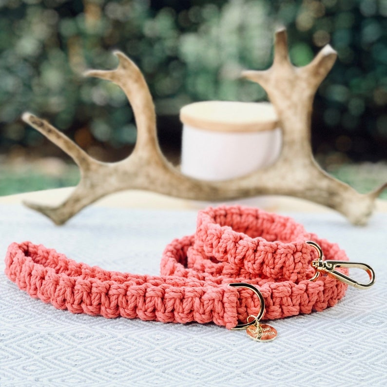 ROUND-UP: Peach Dog Accessories feat. Coral Pink Macrame Leash from My Pupper (Etsy)