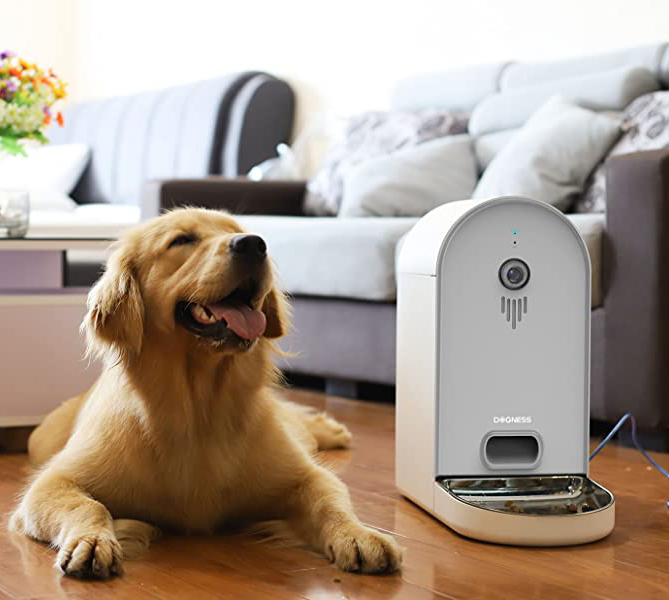 DOGNESS Automatic Dog/Cat Smart Camera Feeder (WiFi) via Amazon