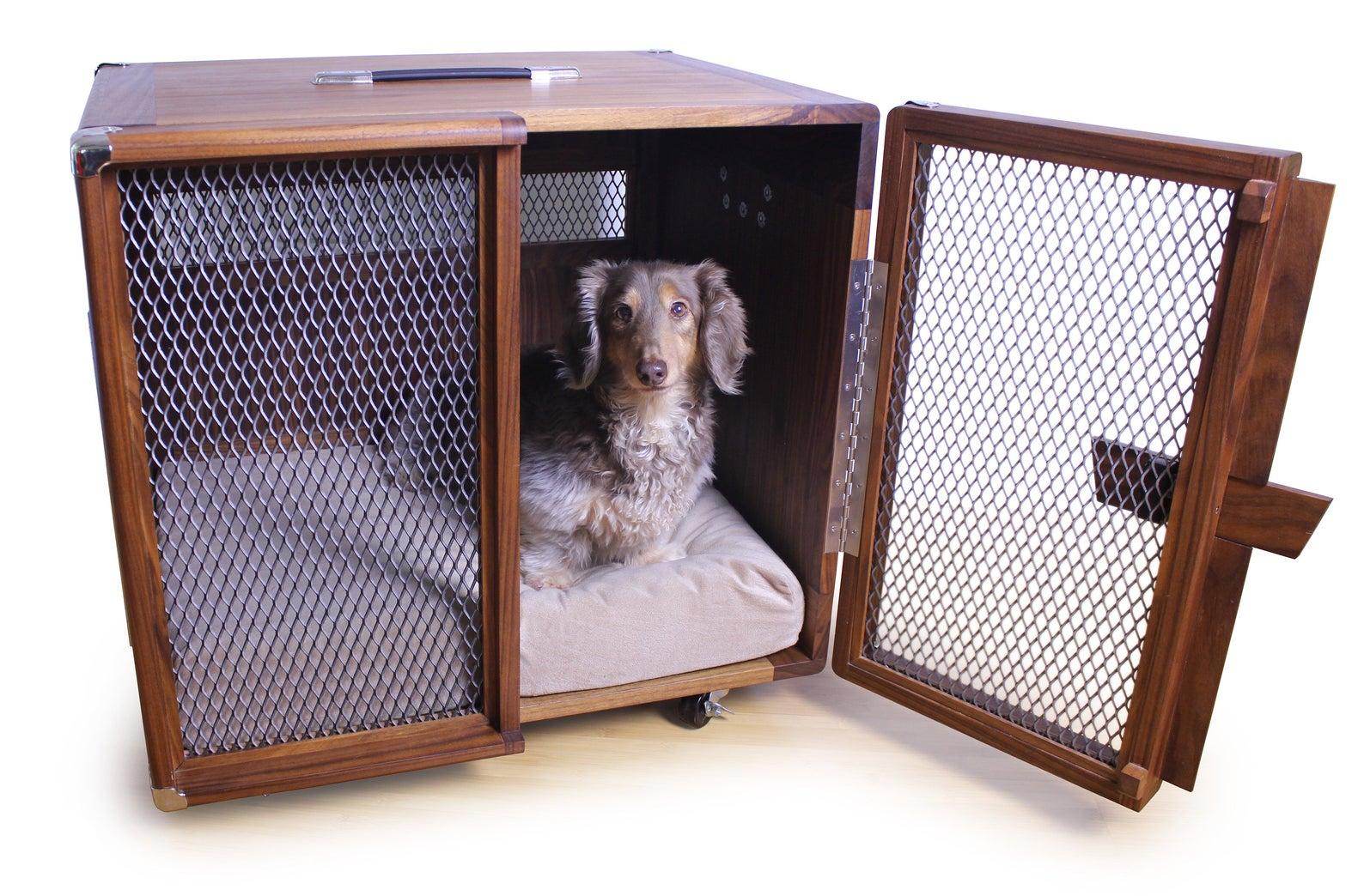 Fullertone Custom Dog Kennel Inspired by Vintage Guitar Amp via Piazza Design (Etsy)