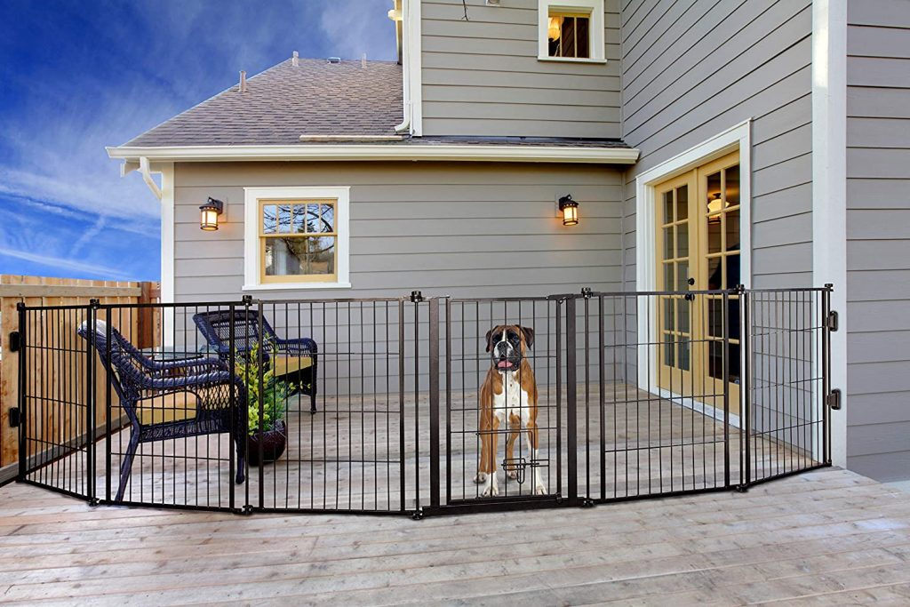 CARLSON PET PRODUCTS 3 in 1 Weather Resistant Outdoor Pet Gate Fence via Amazon